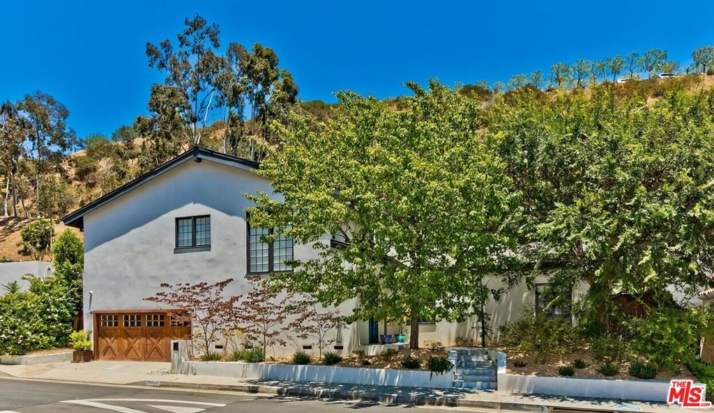 Photo for 1944 N Beverly Drive, Beverly Hills, CA 90210 (MLS # 21747058)