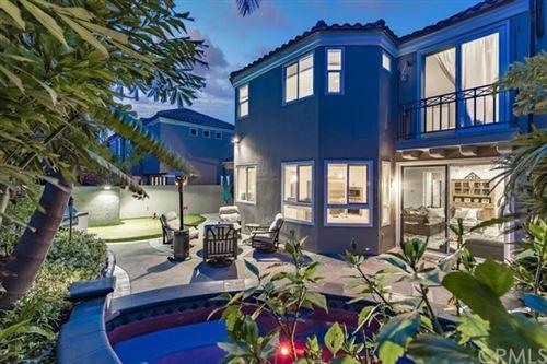 Photo of 19056 Stonehurst Lane, Huntington Beach, CA 92648 (MLS # OC21098059)