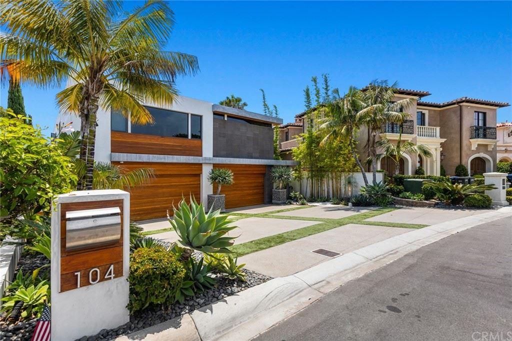Photo of 104 Kings Place, Newport Beach, CA 92663 (MLS # NP21157059)
