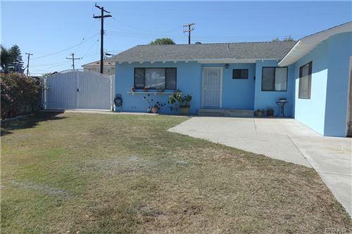 Photo of 754 W Rosslynn Avenue, Fullerton, CA 92832 (MLS # AR21225060)