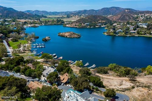 Photo of 433 Upper Lake Road, Lake Sherwood, CA 91361 (MLS # 221002061)