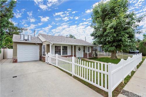 Photo of 4968 Garden Grove Avenue, Tarzana, CA 91356 (MLS # SR20112061)
