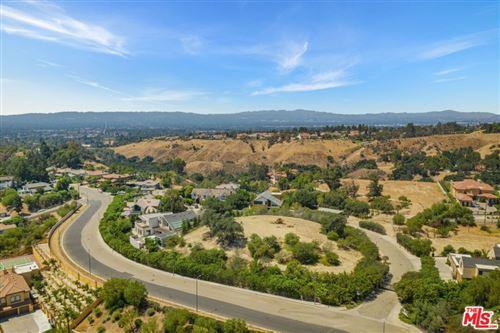 Photo of 18160 Knoll Hill, Granada Hills, CA 91344 (MLS # 21759062)