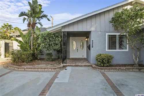 Photo of 9960 Casaba Avenue, Chatsworth, CA 91311 (MLS # 320008063)
