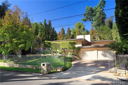 Photo of 5033 Oakdale Avenue, Woodland Hills, CA 91364 (MLS # SR20223063)