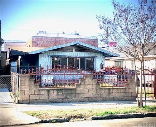 Photo of 940 W 56th Street, Los Angeles, CA 90037 (MLS # SR21068063)