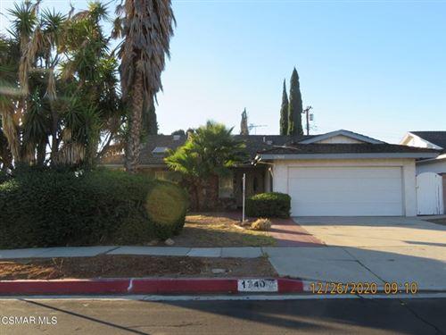 Photo of 17400 Hiawatha Street, Granada Hills, CA 91344 (MLS # 221000064)
