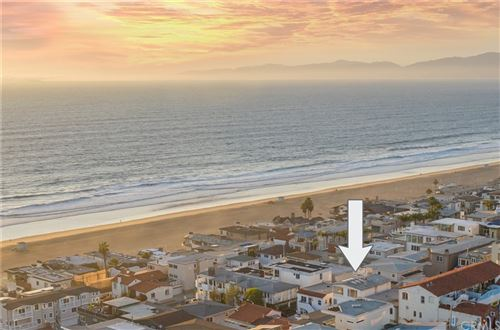 Photo of 221 33rd Street, Manhattan Beach, CA 90266 (MLS # NP21229064)