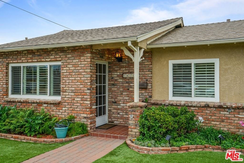 Photo of 16700 San Fernando Mission Boulevard, Granada Hills, CA 91344 (MLS # 21791064)