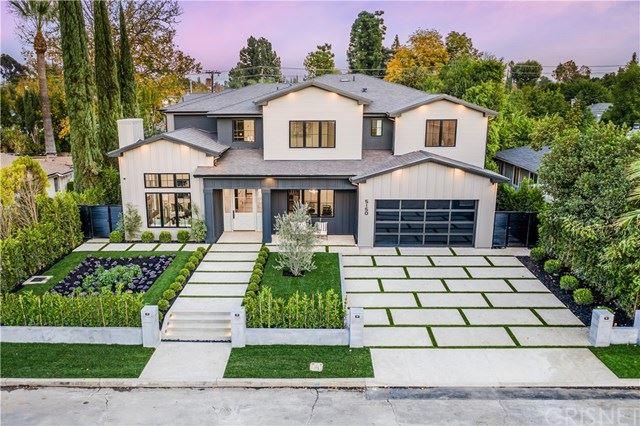 Photo of 5150 Gaynor Avenue, Encino, CA 91436 (MLS # SR20245065)