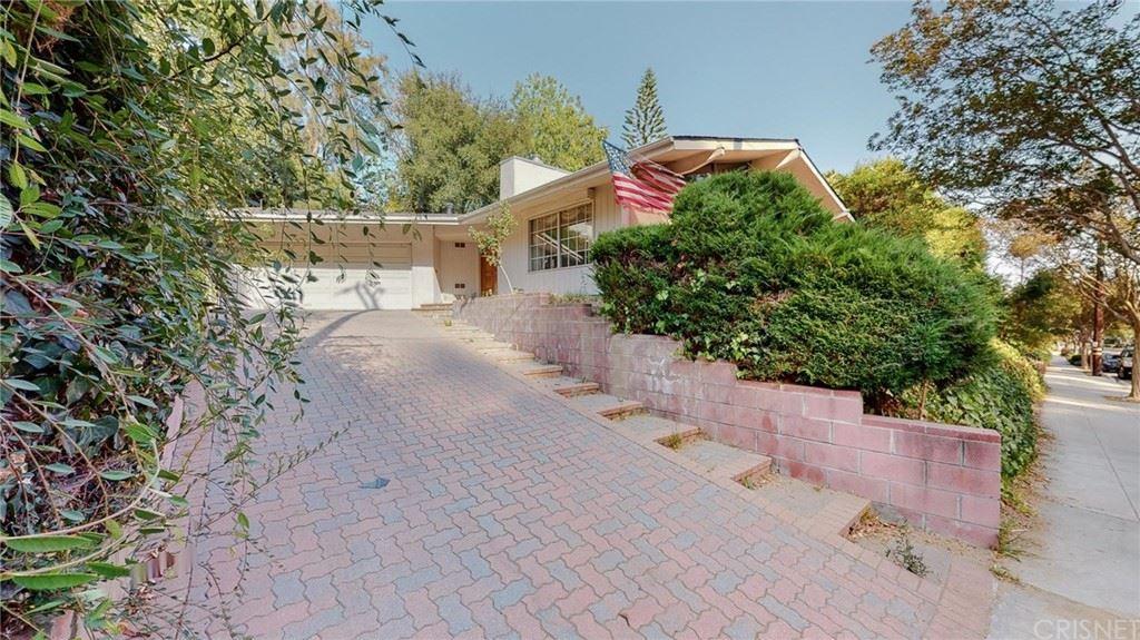 1537 E Glenoaks Boulevard, Glendale, CA 91206 - #: SR21109065