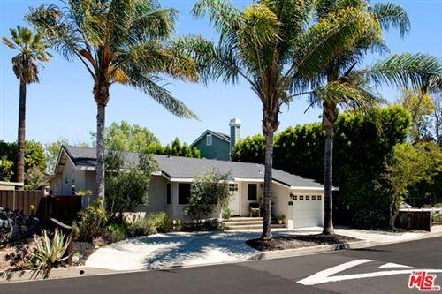 Photo of 13227 N Valleyheart Drive, Sherman Oaks, CA 91423 (MLS # 21721066)