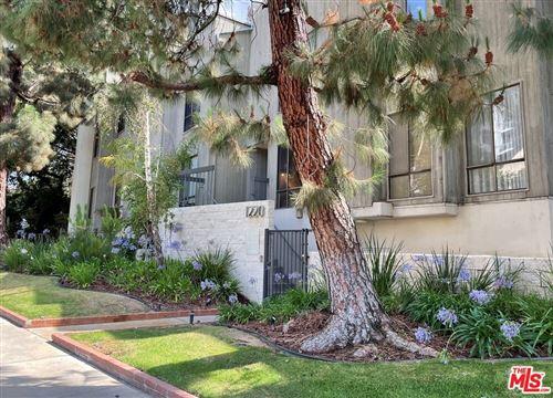 Photo of 1220 Manning Avenue #4, Los Angeles, CA 90024 (MLS # 21759066)