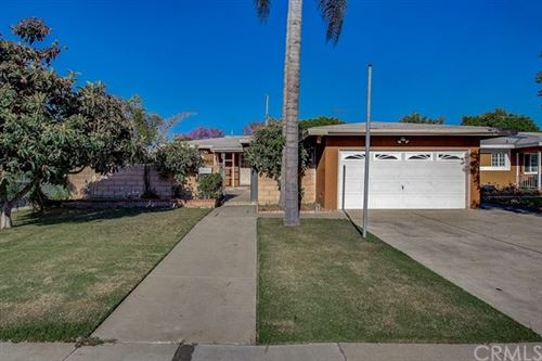 Photo of 1609 S Woodland Place, Santa Ana, CA 92707 (MLS # OC20102067)