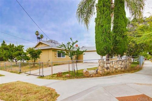 Photo of 339 Banyan Way, Escondido, CA 92026 (MLS # 200031068)
