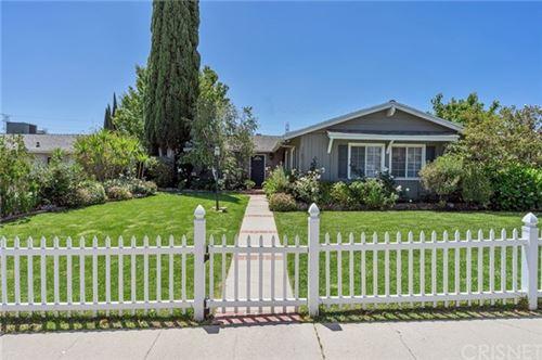 Photo of 16708 Rinaldi Street, Granada Hills, CA 91344 (MLS # SR21079068)