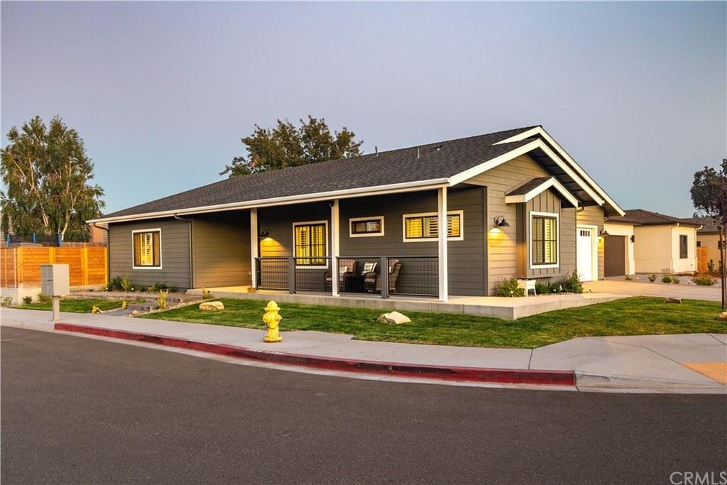 Photo of 108 Rowan Way, Templeton, CA 93465 (MLS # NS21172069)