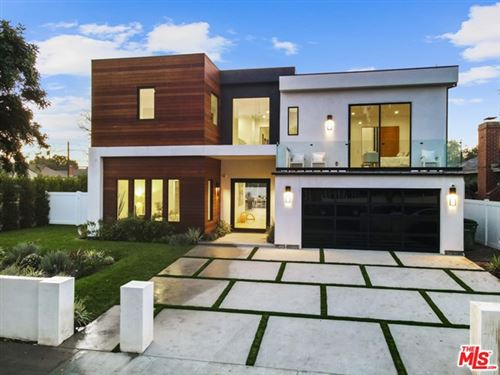 Photo of 2819 S Canfield Avenue, Los Angeles, CA 90034 (MLS # 21676070)