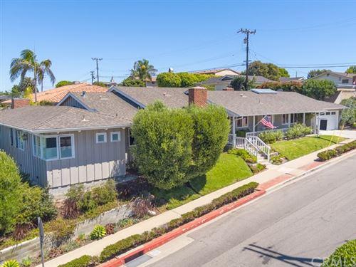 Photo of 524 N Meadows Avenue, Manhattan Beach, CA 90266 (MLS # SB20085070)