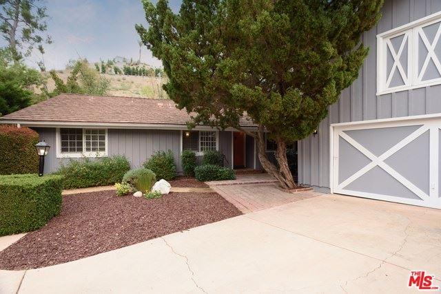 Photo for 4850 Rosa Road, Woodland Hills, CA 91364 (MLS # 20624070)