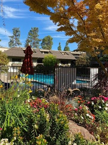 2140 Santa Cruz Avenue #D105, Menlo Park, CA 94025 - #: ML81821070