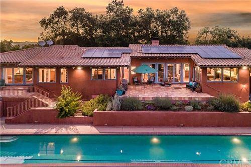Photo of 3432 Las Tablas Willow Crk Road, Paso Robles, CA 93446 (MLS # SP19184071)