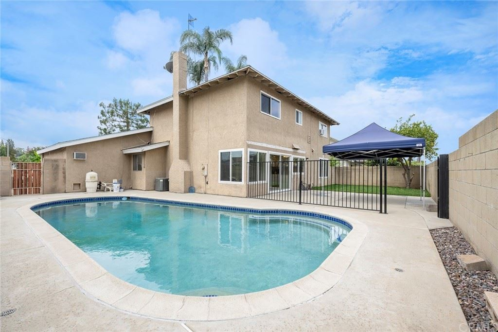 Photo of 621 Parkwood, La Habra, CA 90631 (MLS # PW21126071)