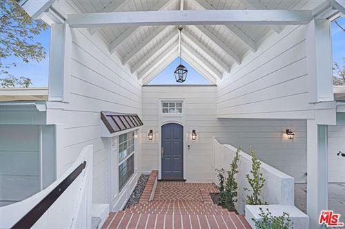 Photo of 15075 Rayneta Drive, Sherman Oaks, CA 91403 (MLS # 21683072)