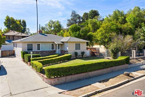 Photo of 22044 Crespi Street, Woodland Hills, CA 91364 (MLS # 21798072)
