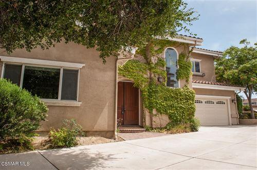 Photo of 1595 E Avenida De Las Flores, Thousand Oaks, CA 91362 (MLS # 221004072)