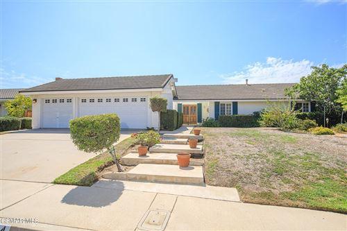 Photo of 244 Windsong Street, Thousand Oaks, CA 91360 (MLS # 221005072)