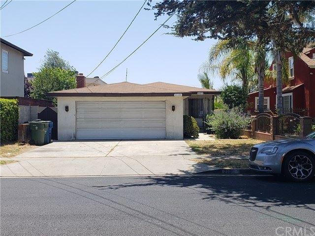 Photo of 210 W Spruce Avenue, Inglewood, CA 90301 (MLS # CV20139072)