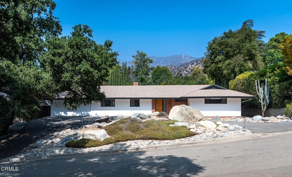 Photo of 2113 Sunnybank Drive, La Canada Flintridge, CA 91011 (MLS # P1-7072)