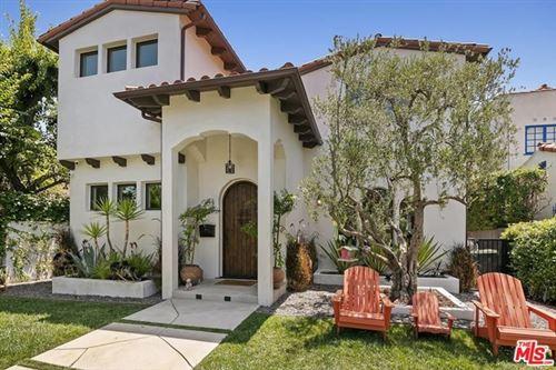 Photo of 852 S Mullen Avenue, Los Angeles, CA 90005 (MLS # 20604074)