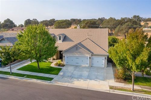 Photo of 215 Silver Oak Drive, Paso Robles, CA 93446 (MLS # PI20221074)