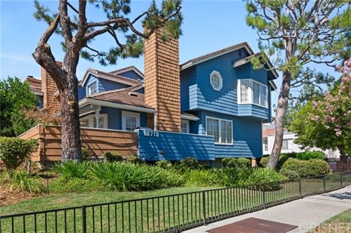 Photo of 18713 Hatteras Street #10, Tarzana, CA 91356 (MLS # SR20154074)