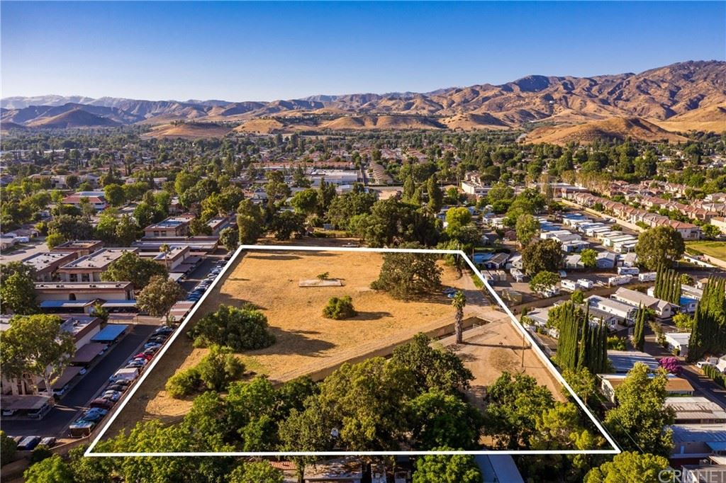 Photo of 1761 Oak Road, Simi Valley, CA 93063 (MLS # SR20004074)