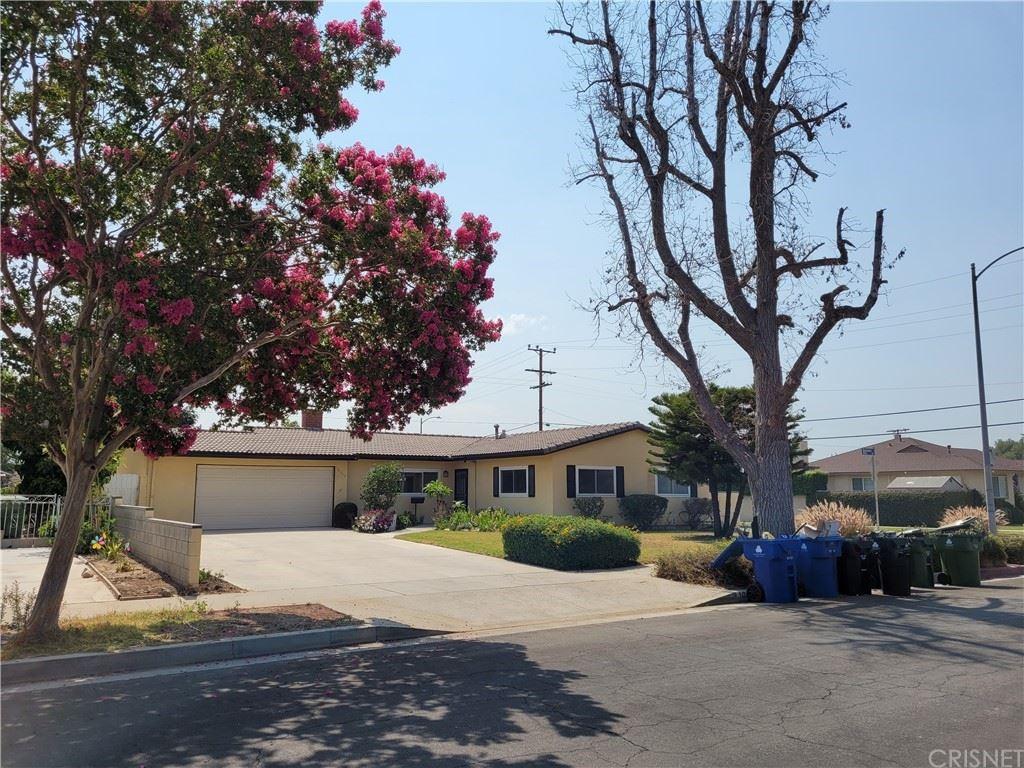 Photo of 10500 Densmore Avenue, Granada Hills, CA 91344 (MLS # SR21140074)