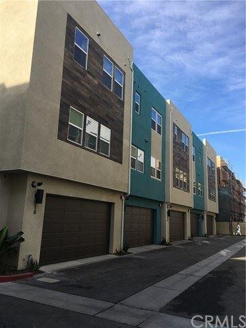 Photo of 927 E Mason Lane #37, Anaheim, CA 92805 (MLS # OC21097075)
