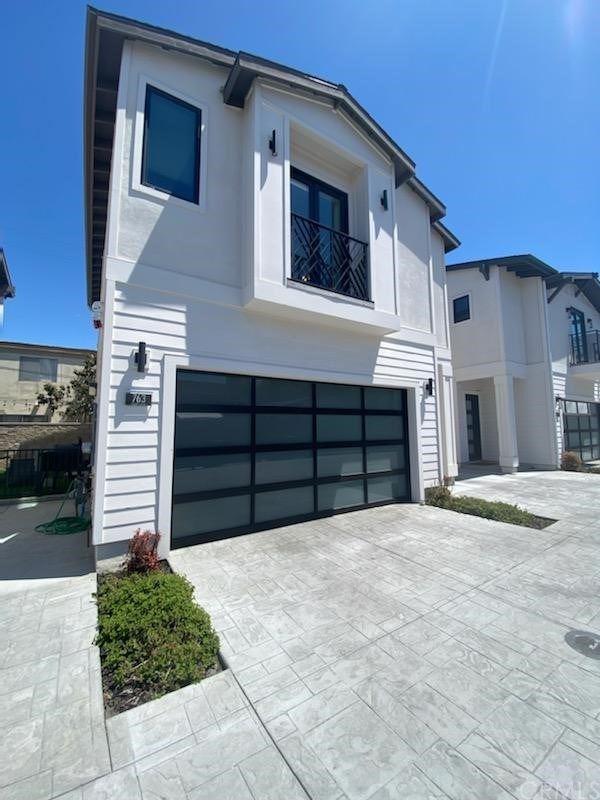 Photo of 763 W 18th St, Costa Mesa, CA 92627 (MLS # OC21089075)