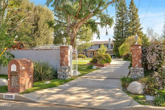 Photo of 22600 Erwin Street, Woodland Hills, CA 91367 (MLS # V1-5075)