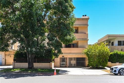 Photo of 11816 Gorham Avenue #213, Los Angeles, CA 90049 (MLS # OC21127077)