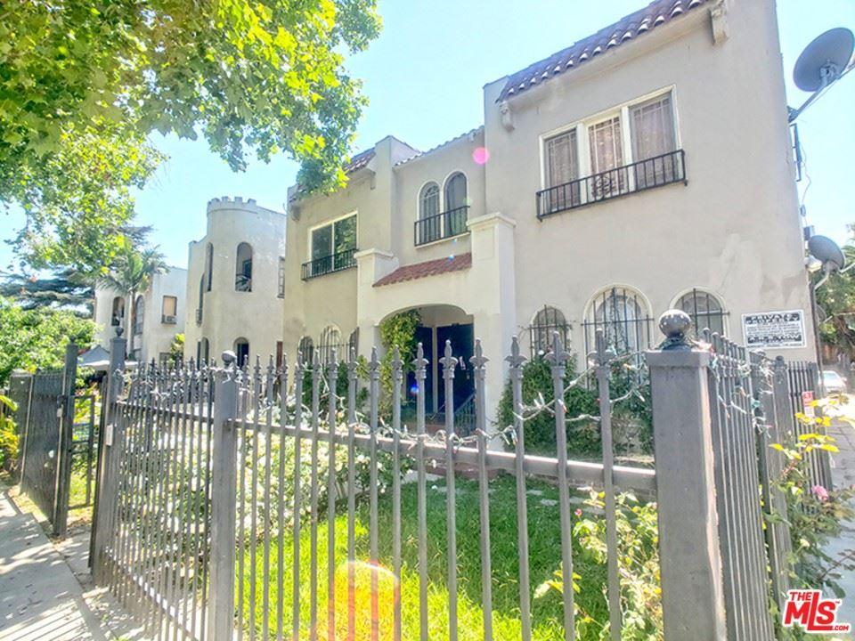 Photo of 1210 S Plymouth Boulevard #1210 1/2, Los Angeles, CA 90019 (MLS # 21767078)