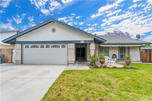 Photo of 30308 Jasmine Valley Drive, Canyon Country, CA 91387 (MLS # SR20104079)