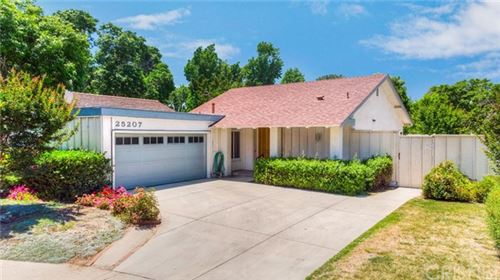 Photo of 25207 Via Tanara, Valencia, CA 91355 (MLS # SR20103080)