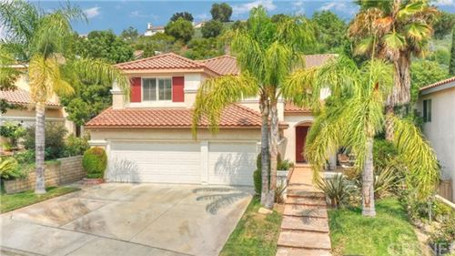 Photo of 21113 Oakleaf Canyon Drive, Newhall, CA 91321 (MLS # SR20193080)