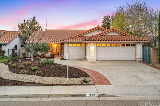 Photo of 933 Torrey Pines Drive, Paso Robles, CA 93446 (MLS # NS21035081)