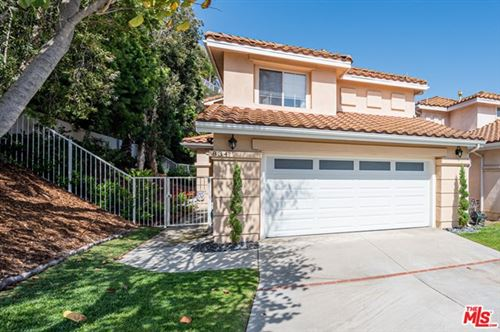 Photo of 834 CALLE LA PRIMAVERA, Glendale, CA 91208 (MLS # 20583082)