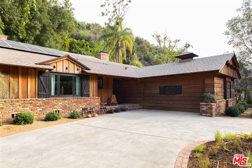 Photo of 3470 Mandeville Canyon Road, Los Angeles, CA 90049 (MLS # 21714082)