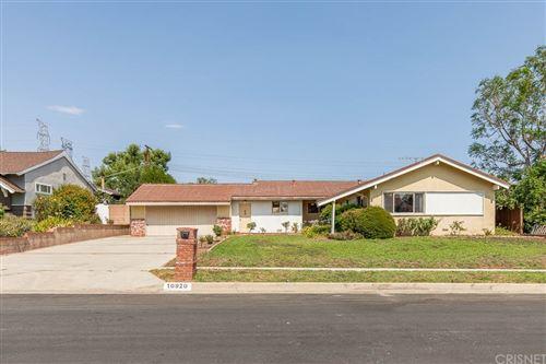 Photo of 10920 Garden Grove Avenue, Northridge, CA 91326 (MLS # SR21147082)